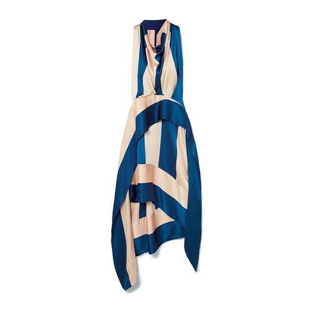 명한 코발트 블루 컬러가 선사하는 에너지가 좋다. 서머 드레스는 Three Graces London