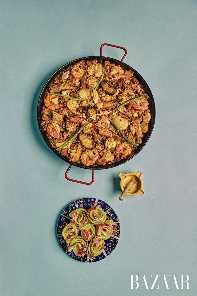 천운영이 노라노를 위해 준비한 초리초와 파에야.
