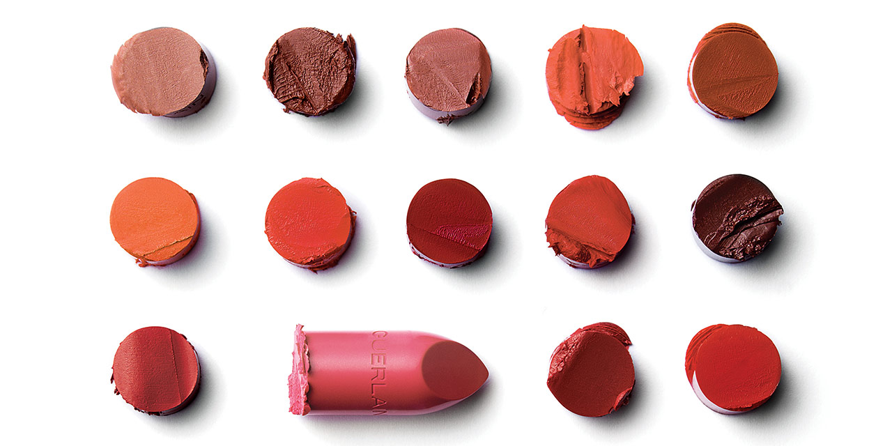 1828년 탄생한 브랜드로 무려 190년의 역사를 갖는 겔랑의 립스틱.  여성들의 뷰티 히스토리와 발자취를 함께했다고 해도 과언이 아니다. 그리고 올해 패키지와 컬러를 고를 수 있는 커스터마이징 립스틱을 선보이며 또 하나의 필모그래피를 추가했다.