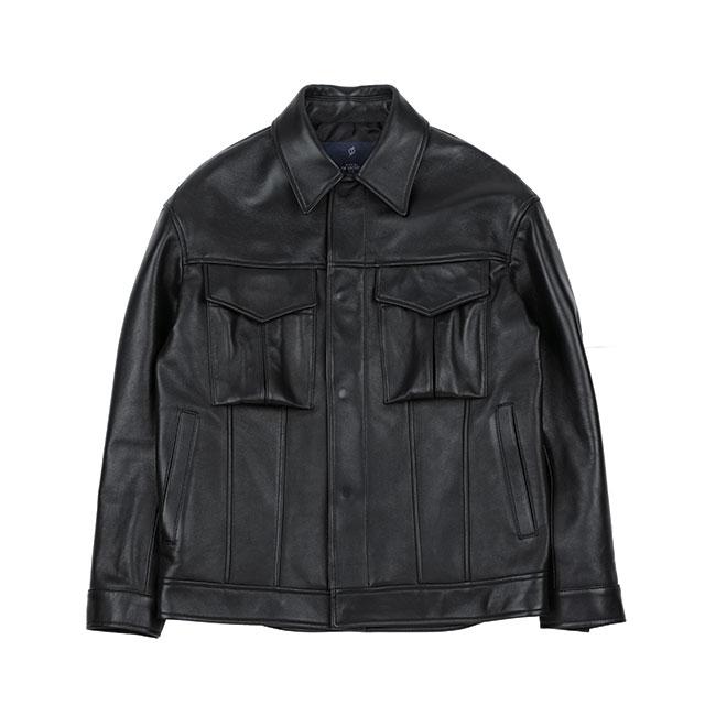 오버사이즈 실루엣의 레더 트러커 재킷은 34만8천원으로 Slow Universe