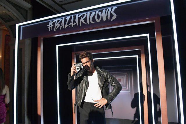 후지 필름이 마련한 포토 존에서 포착한 모델 존 코르타자레나의 모습.