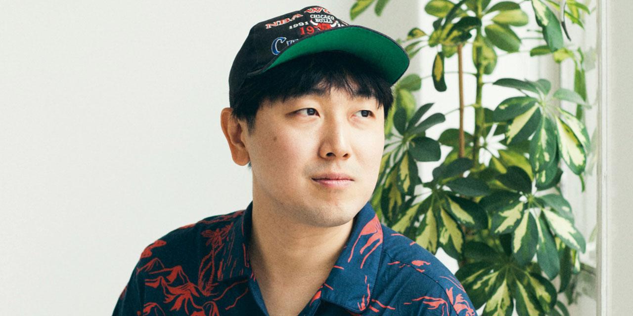 한국인 최초로 LVMH 프라이즈 파이널 리스트에 이름을 올린 데 이어 특별상까지 거머쥔 록(Rokh)의 크리에이티브 디렉터, 황록을 런던에서 만났다.