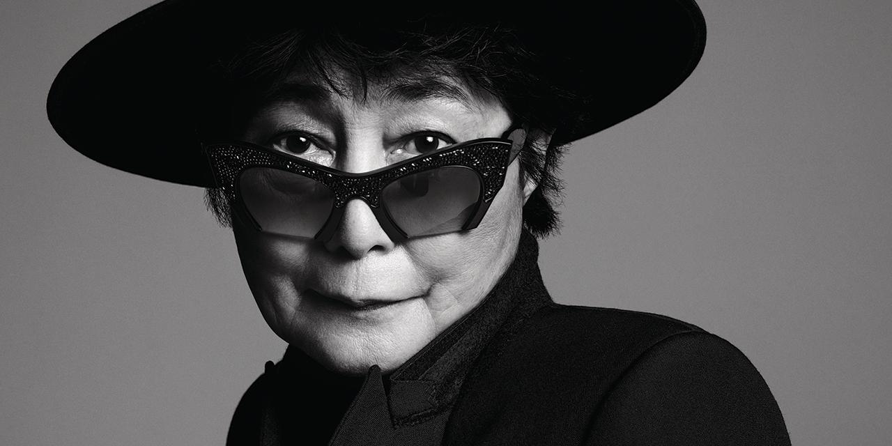오노 요코는 지난 50년 동안 아방가르드 예술의 선봉에 서 있었다. 그녀는 흔치 않은 이번 인터뷰에서 전 서펜타인 갤러리 디렉터 줄리아 페이튼 존스(Julia Peyton-Jones)와 성공, 소셜미디어 그리고 근황에 대해 이야기를 나누었다.