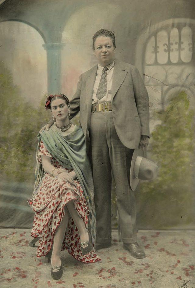 칼로와 디에고 리베라, 1929년 결혼식 날 찍은 사진.