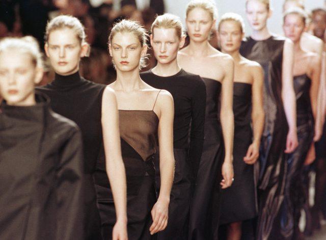 1999 F/W 캘빈 클라인 쇼의 피날레.