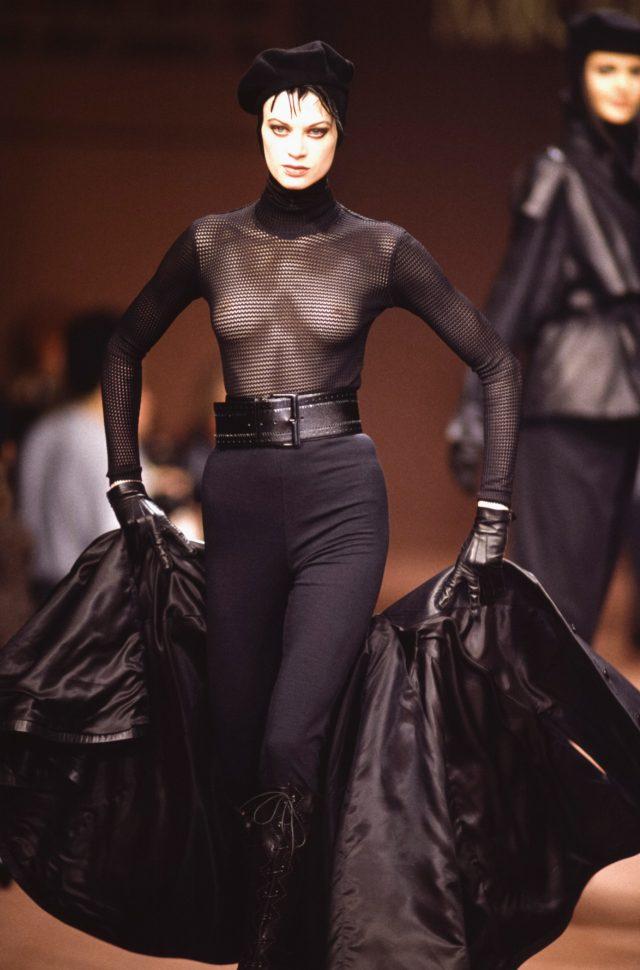 크리스틴 맥매나미가 1992년 마이클 클레인 쇼에 섰던 모습.