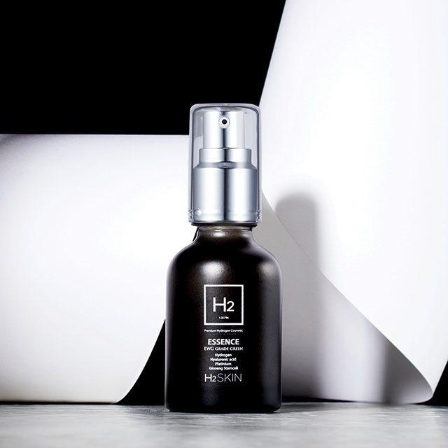 국내 톱스타들을 담당하는 헤어 아티스트 채수훈이 화장품 브랜드, 'H₂스킨'을 론칭했다! 강력한 항산화 기능을 갖춘 수소를 활용해 피부를 건강하게 지켜준다. 기초 아이템부터 헤어 제품까지 만나볼 수 있다.