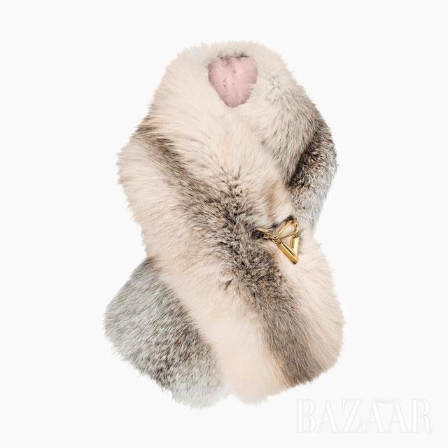 머플러는 3백만원대  Louis Vuitton