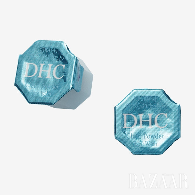 Dhc 클리어 파우더 페이스 워시  낱개로 챙겨 가면 클렌징하기 편하다. 30ea 1만8천9백원.