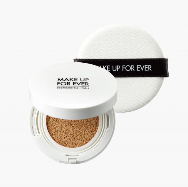 Make Up For Ever UV 브라이트 쿠션 SPF35/ PA+++ 6만3천원대.