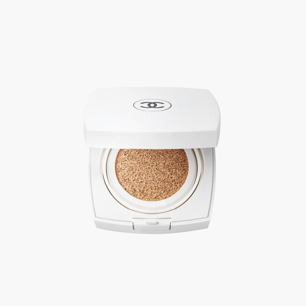 <strong>Chanel</strong> 르 블랑 브라이트닝 젠틀 터치 파운데이션 SPF30/ PA+++ 8만1천원.
