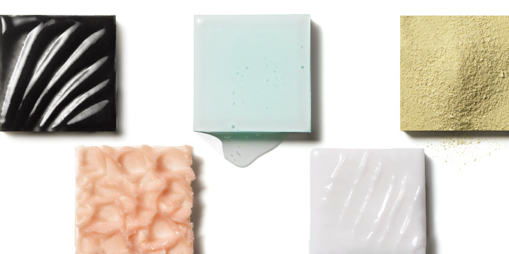 다양한 텍스처가 존재하는 각질 제거제의 세계. 내 피부에는 어떤 제형이 잘 어울릴까?