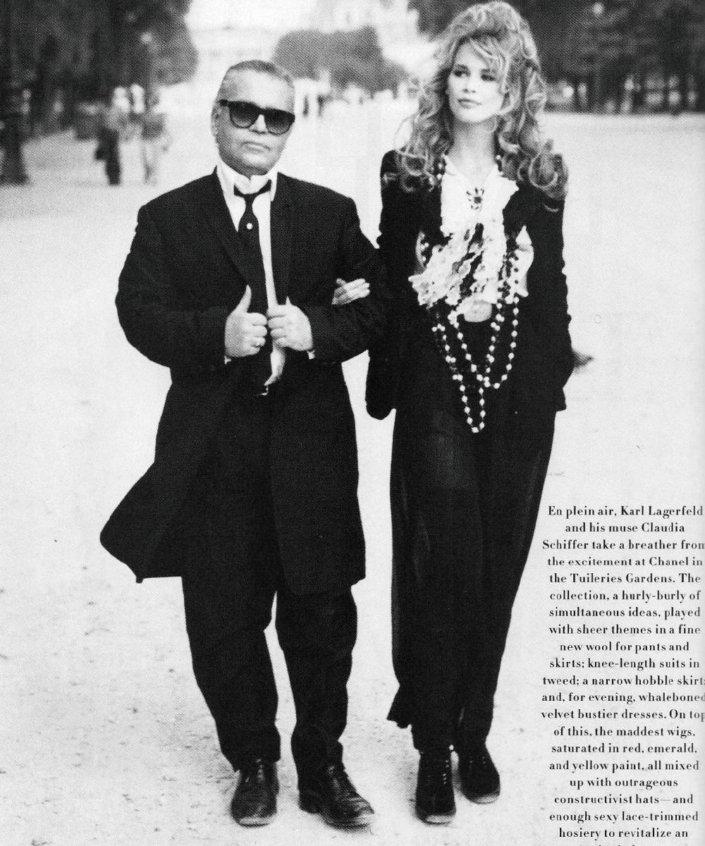 오랜 뮤즈 클라우디아 시퍼와 함께한 1992년 미국 <바자>의 한 컷.