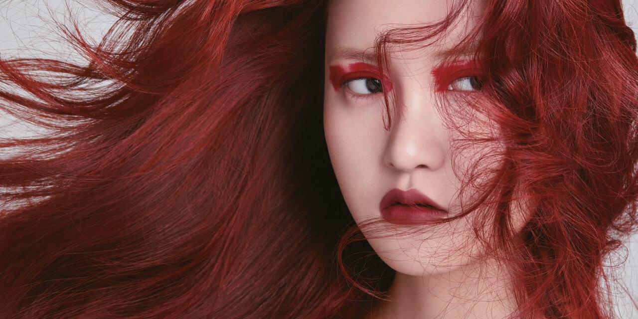지금이라도 늦지 않았다. 당장 다음 페이지 스타의 사진을 찍어 미용실로 달려갈 것. '빨강 머리'가 다시 돌아왔다.