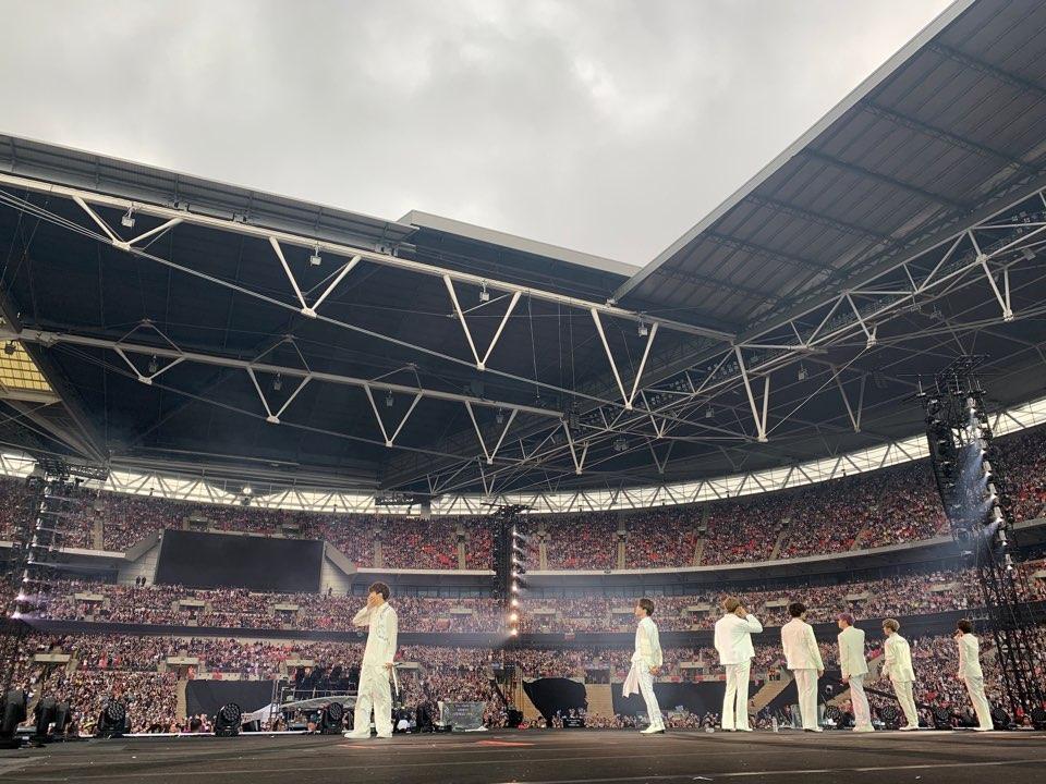 영국 경찰들까지 총출동한 방탄소년단(BTS)의 런던 웸블리 콘서트 다녀온 에디터의 리얼 후기 (feat. BTS도 이건 몰랐을걸?)