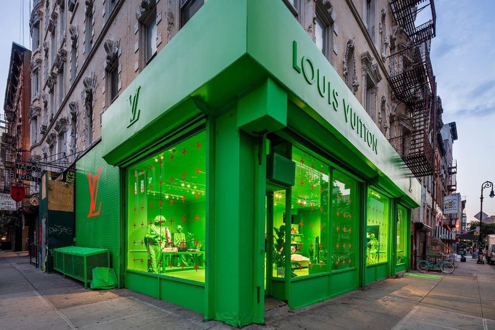 지구상에서 가장 핫한 디자이너, 버질 아블로가 최대 규모의 루이비통 팝업 스토어를 오픈한다.